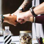 Sponsorowanie akcji charytatywnych i społecznych przez firmy. Czy można na tym wiele zyskać?